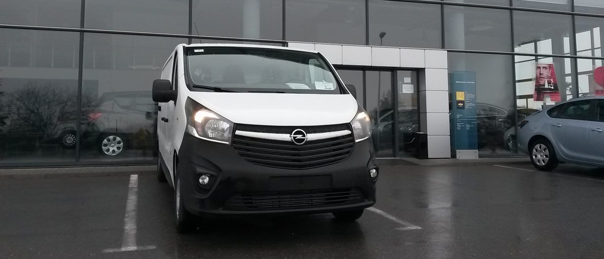 Opel Vivaro на склад