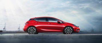 Opel Astra, червен
