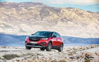 Високо напрежение - Opel Grandland X Plug-In хибрид с двойно предаване