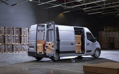 Новият Opel Movano: високо ниво на безопасност и гъвкавост, пълна свързаност